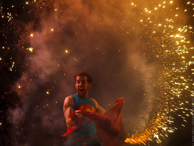 spectacle-de-feu-superman